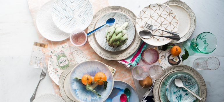 pack dishes and pots- Plates and glasses