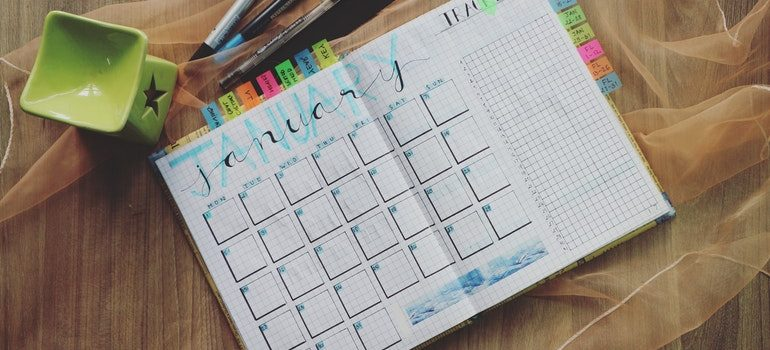 Planner for planning on how to save time while packing.