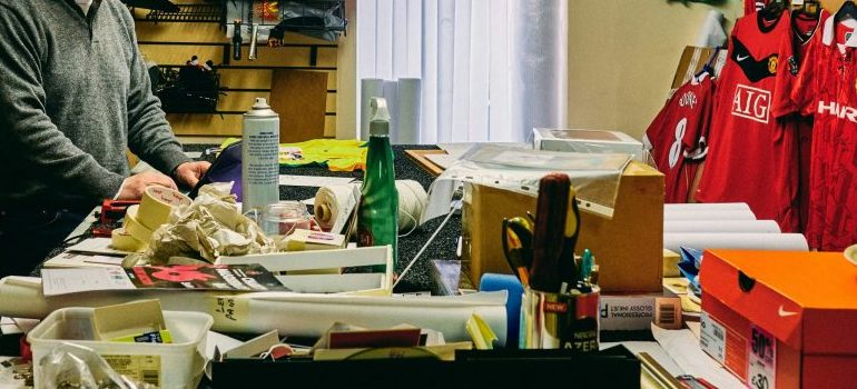 one of the most common packing mistakes - a house full of clutter